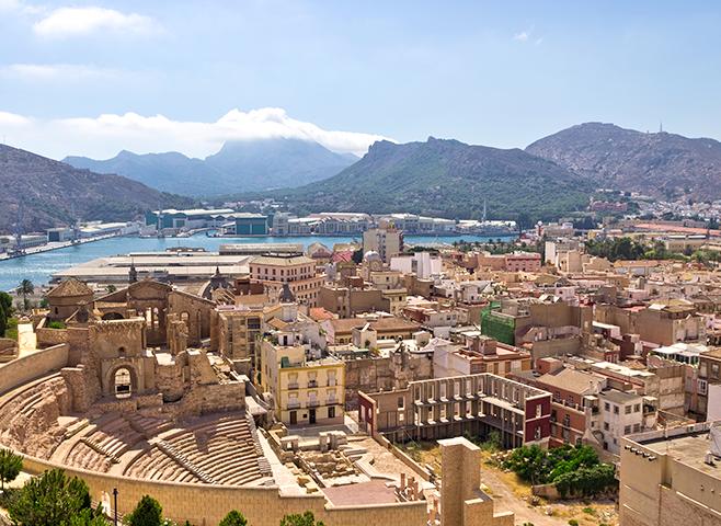 Un informe económico destaca los beneficios para Cartagena del Corredor Mediterráneo